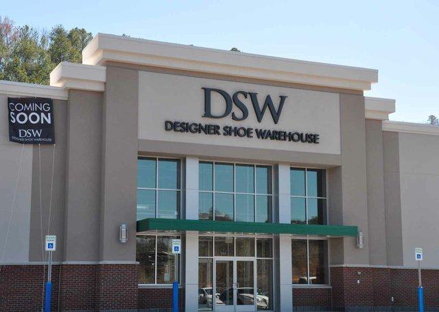 DSW Exterior