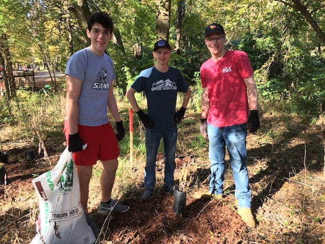 HEC planting 11-4-17 three guys.JPG