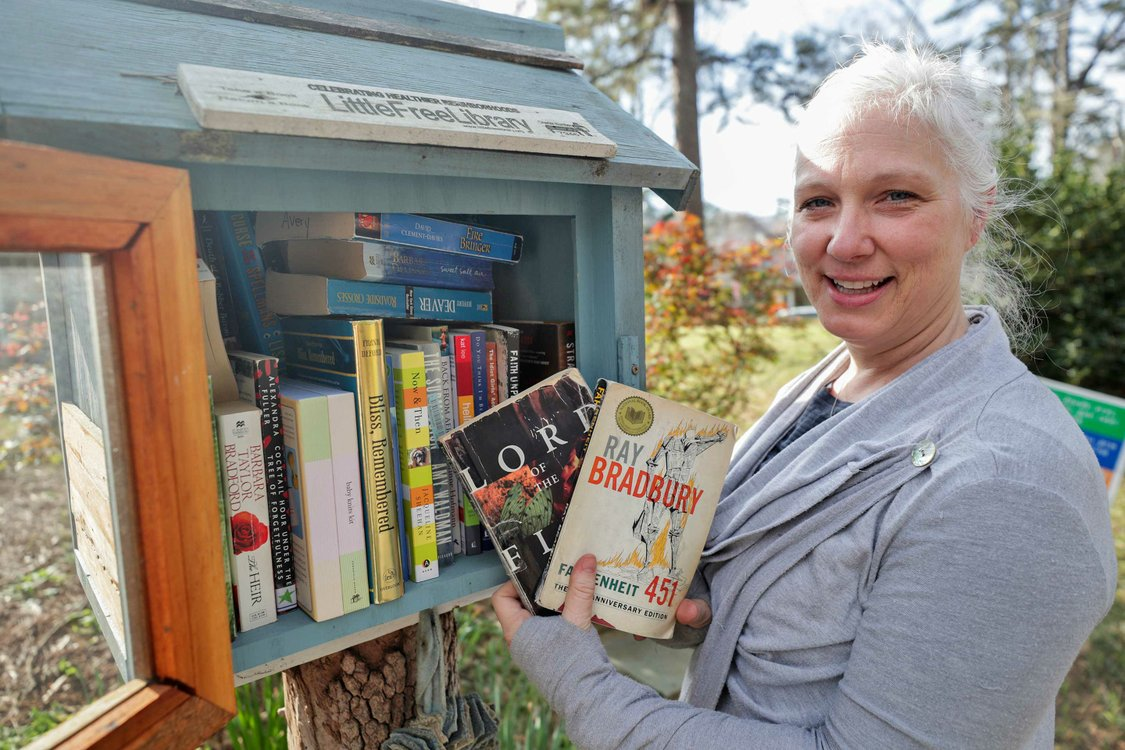 STAR-COVER-Little-Free-Libraries_SNF_7723.jpg