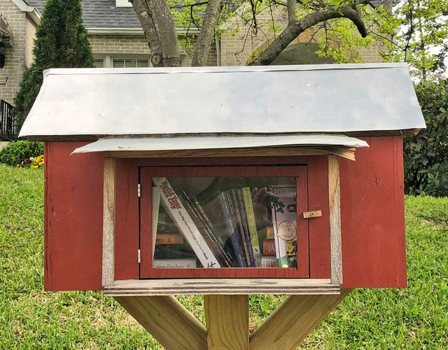 STAR-COVER-Little-Free-Libraries-2.jpg