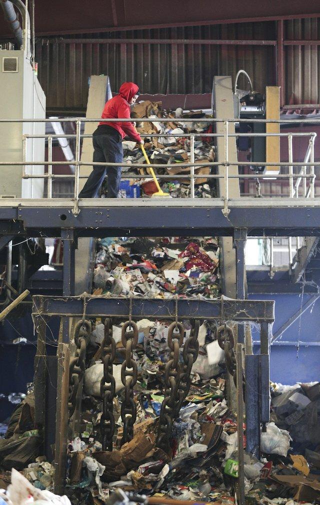 VV-COVER-Recycling_SNF_8135.jpg