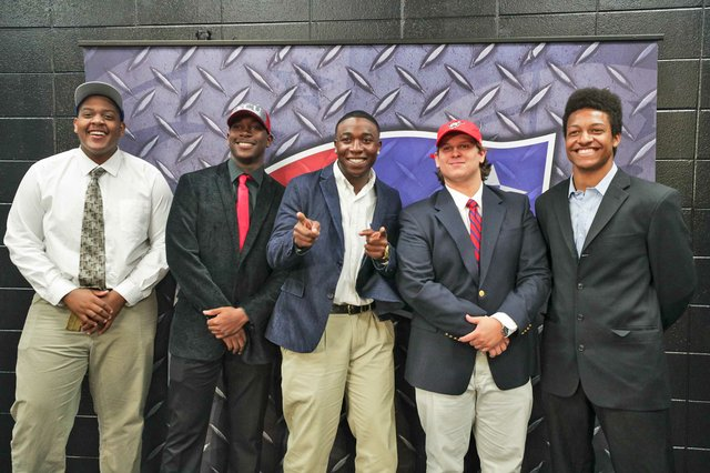 SPORTS---Signing-Day_SNF_1057.jpg