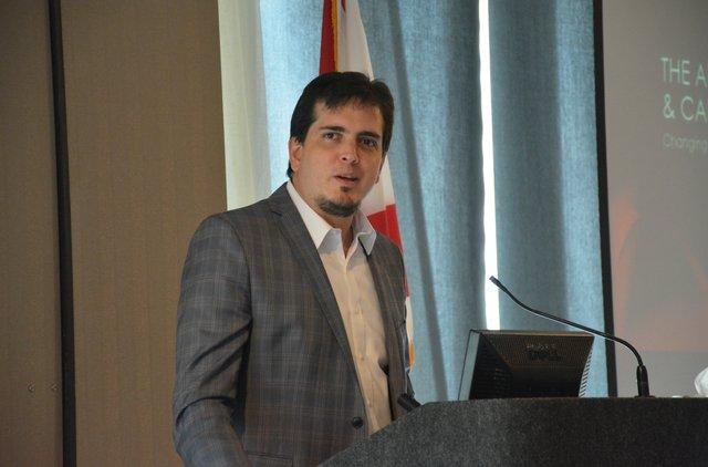 Carlos Izcaray