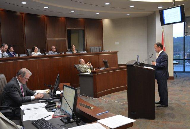 Mayor presents 18-19 budget