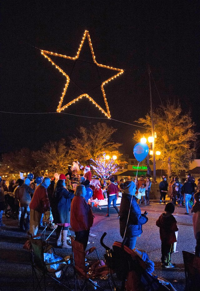 Homewood Christmas Parade 2020 Christmas parade, star lighting set for Dec. 4   thehomewoodstar.com