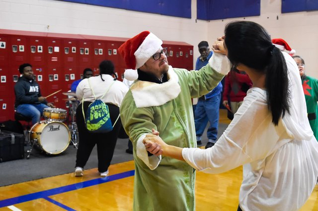 HW PHOTO Santa Exceptional Foundation-7.jpg