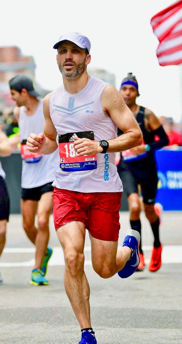 FEAT---Boston-Marathon_Damon-Cox-3.jpg