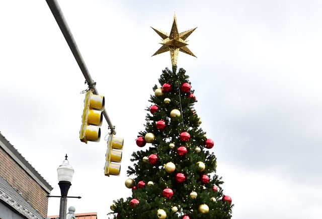 STAR CITY Holiday Decorations NEW.JPG