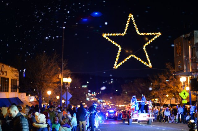 STAR EVENT Star Lighting, Christmas Parade.jpg