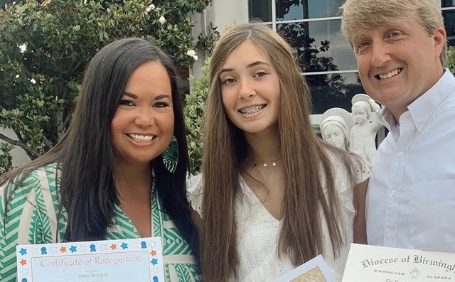 OLS-8th grade Grads pic1.jpeg