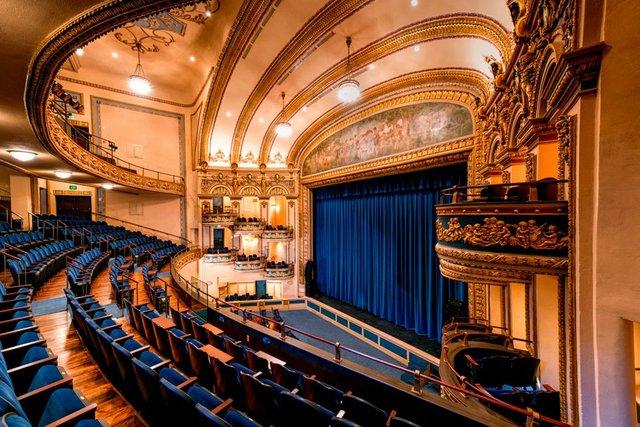 VL-COMM-Lyric-Theatre.jpg