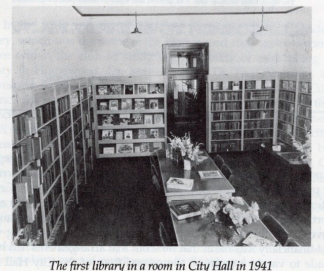 FEAT---Library-80th-Anniversary_HPL-in-City-Hall-1941.jpg
