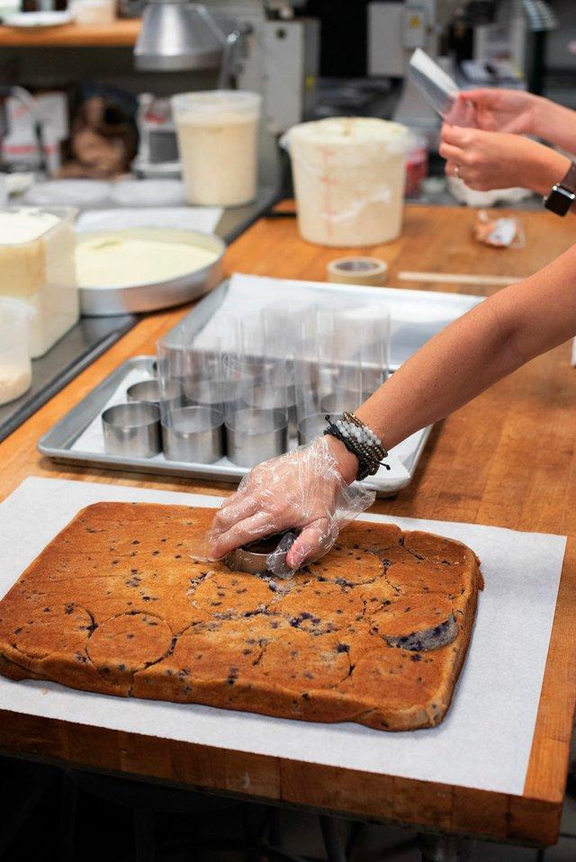 BIZ---Daughters-Baking-1.jpg