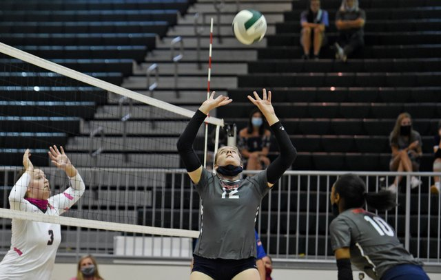 STAR-SPORTS-Homewood-volleyball-preview.jpg