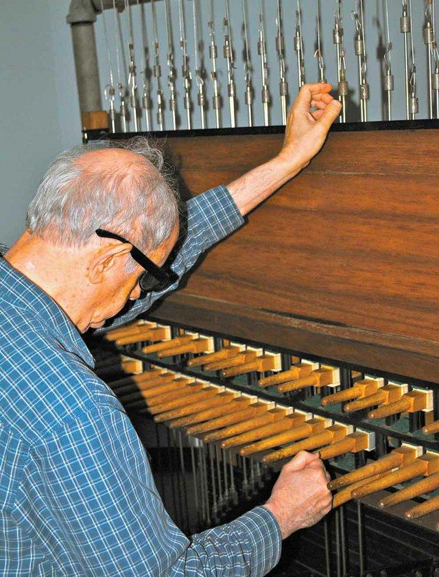 1012 Samford carillonneur Stephen Knight