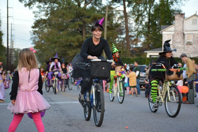 Homewood Witches Ride-9.jpg