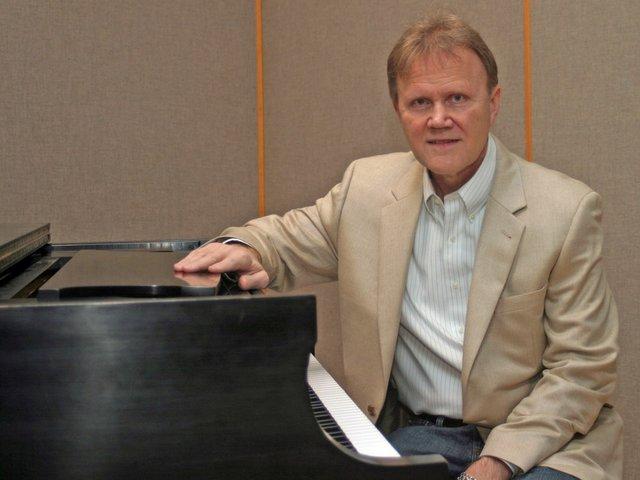 Pianist Michael Dulin