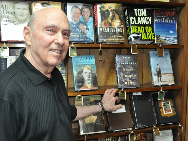 Booksmith thrives in shaky times for print