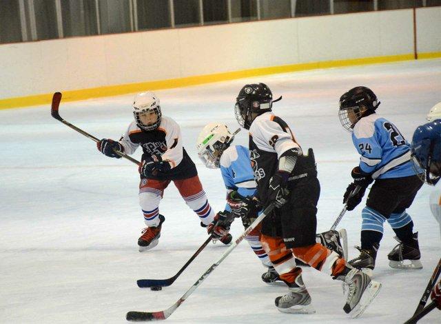 STAR-FEAT-HockeyKids4.jpg