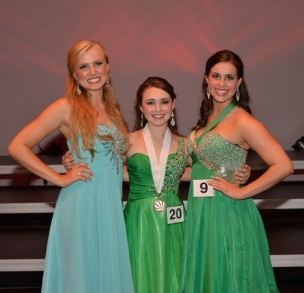1113 Distinguished Young Women
