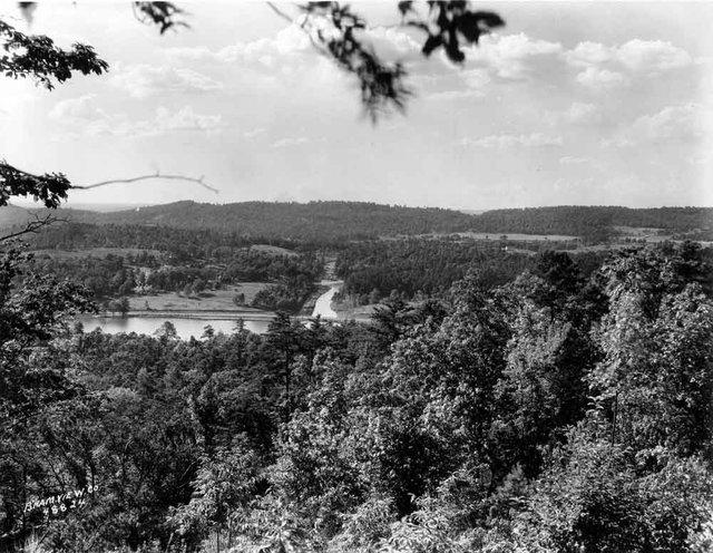 1113 Edgewood Lake History