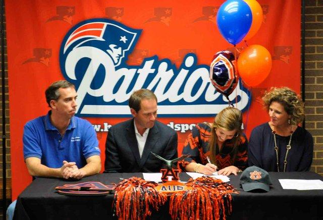 1113 Genny Pittman Auburn Signing